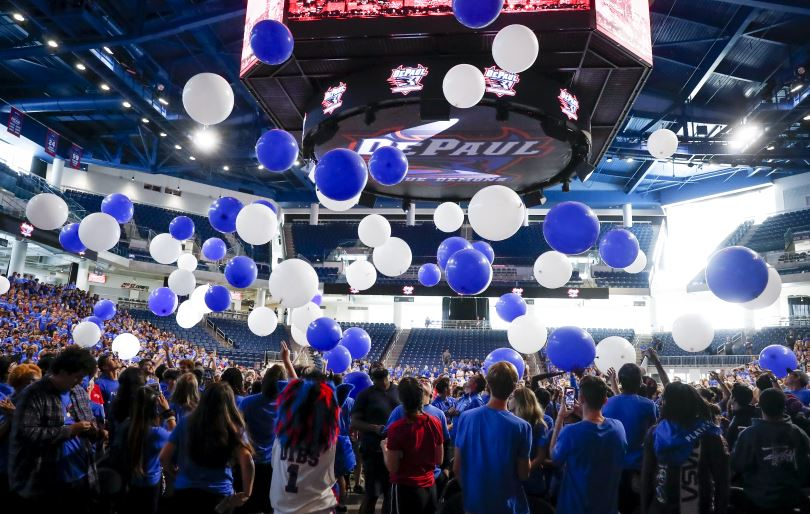 Students at Welcome Week event in Wintrust Arena.